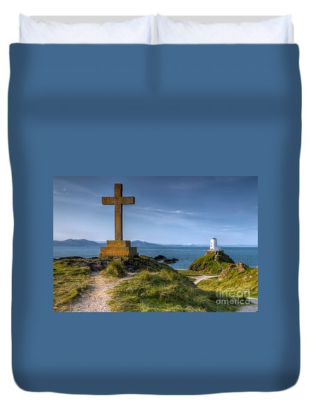 Duvet Cover featuring the photograph Llanddwyn Cross by Adrian Evans
