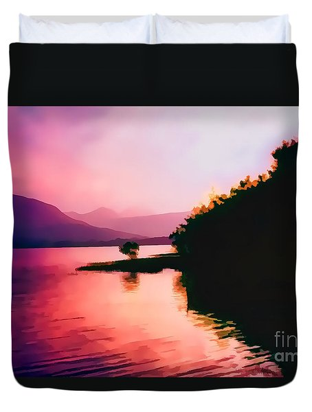 Duvet Cover featuring the photograph Loch Lien Oil Effect Image by Tom Prendergast