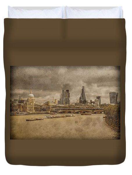 London, England - London Skyline East Duvet Cover