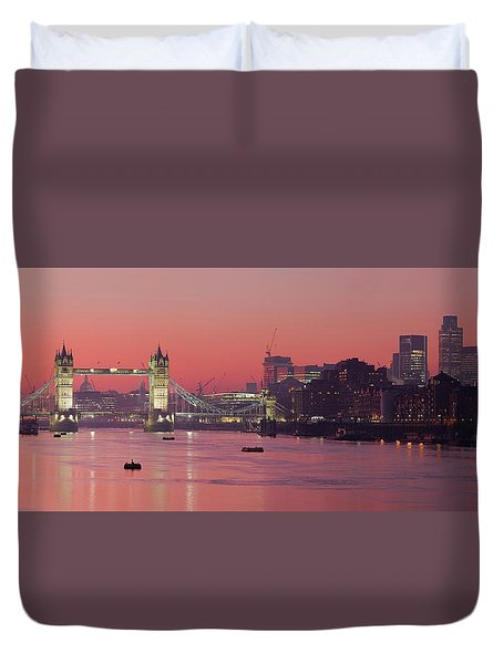 London Thames Duvet Cover by Thomas M Pikolin