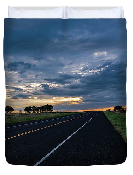 Lone Highway At Sunset Duvet Cover