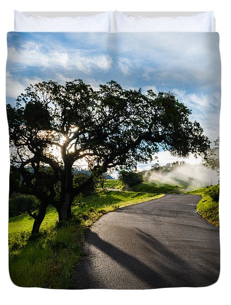 Lone Oak On Figueroa Mountain Road Duvet Cover