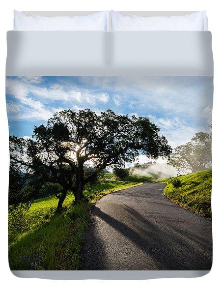 Lone Oak On Figueroa Mountain Road Duvet Cover
