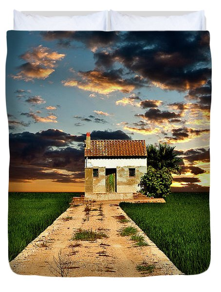 Duvet Cover featuring the photograph Lonely Farm House  by Harry Spitz