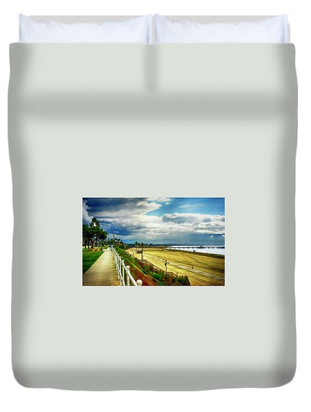 Duvet Cover featuring the photograph Long Beach Bluff Park by Joseph Hollingsworth
