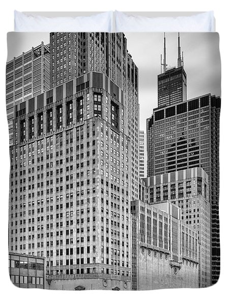 Long Exposure Image Of Chicago River Civic Opera House And Top Of The Willis Tower - Illinois Duvet Cover