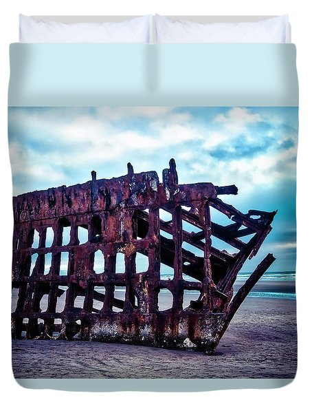 Long Forgotten Shipwreck Duvet Cover