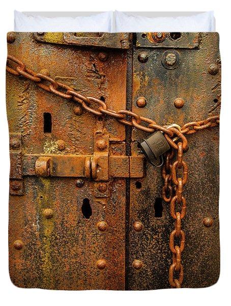 Long Locked Iron Door Duvet Cover