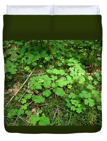 Looking For A Four-leaf Clover Duvet Cover by Valerie Ornstein