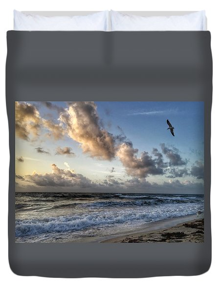 Looking For Food. Duvet Cover