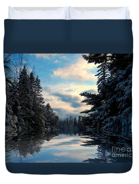 Duvet Cover featuring the photograph Looking Glass by Elfriede Fulda