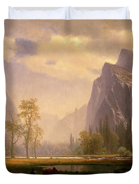 Looking Up The Yosemite Valley  Duvet Cover
