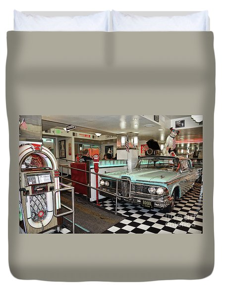 Loris Diner In San Francisco Duvet Cover
