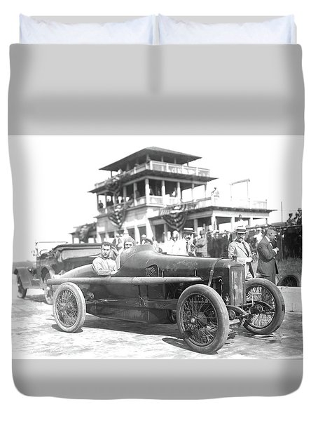Louis Chevrolet At Indy Bw Duvet Cover