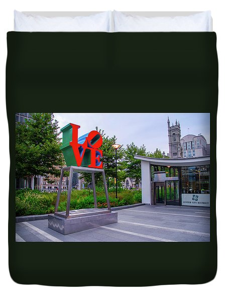 Duvet Cover featuring the photograph Love At Dilworth Plaza - Philadelphia by Bill Cannon