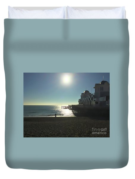 Love In Southsea Duvet Cover by Andrew Middleton