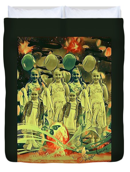 Love In The Age Of War Duvet Cover by Vennie Kocsis
