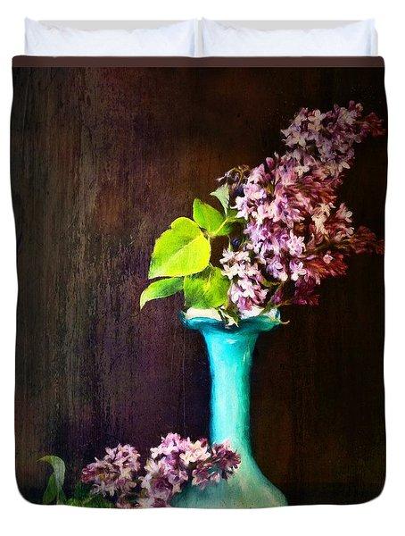 Lovely Lilacs Duvet Cover