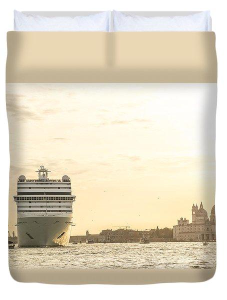 Loving Venice To Death Duvet Cover
