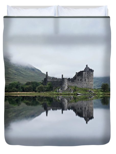 Low Mist At Kilchurn Duvet Cover