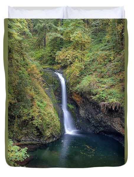 Lower Butte Creek Falls Plunging Into A Pool Duvet Cover by David Gn