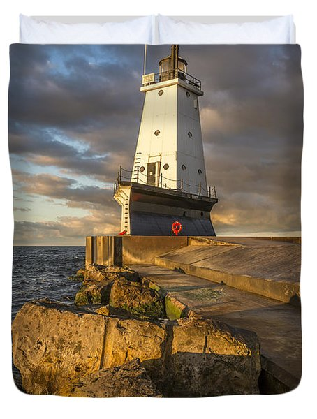 Duvet Cover featuring the photograph Ludington North Breakwater Lighthouse At Sunrise by Adam Romanowicz