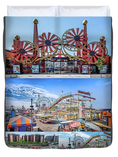 Luna Park Final Duvet Cover by Rafael Quirindongo