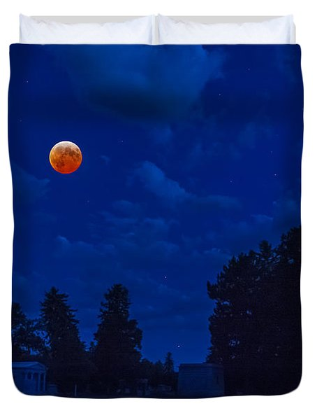 Lunar Eclipse At The Ivy Chapel Duvet Cover