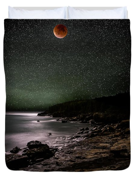 Lunar Eclipse Over Great Head Duvet Cover