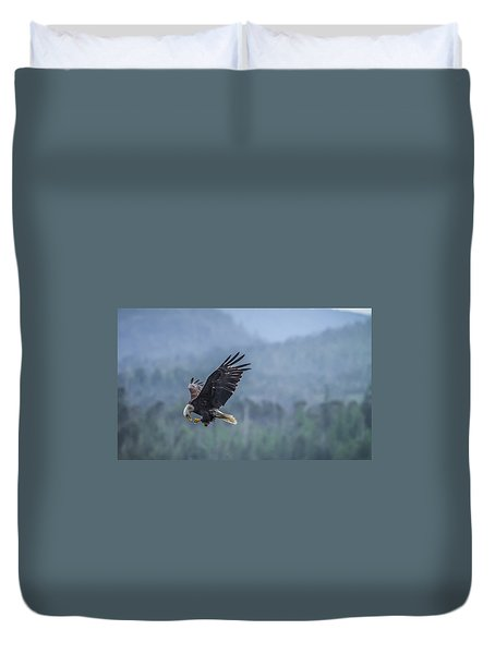 Lunch To Go Duvet Cover by Timothy Latta