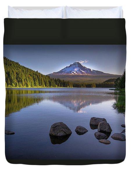 M T Hood Sunrise At Lake Trillium Duvet Cover