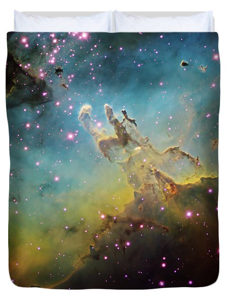 M16 The Eagle Nebula Duvet Cover by Ken Crawford
