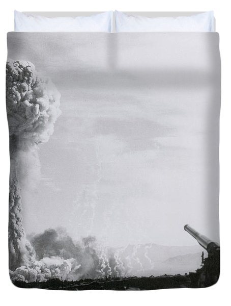 M65 Atomic Cannon Duvet Cover by Science Source