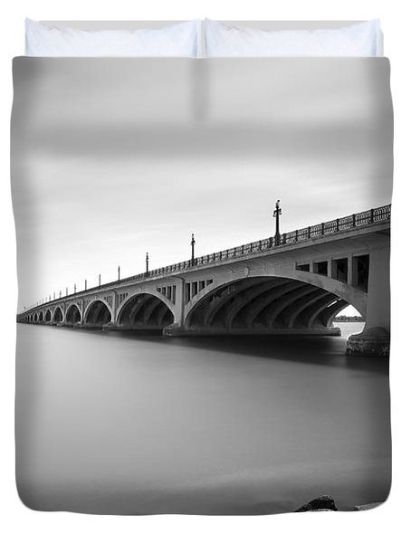 Macarthur Bridge To Belle Isle Detroit Michigan Duvet Cover