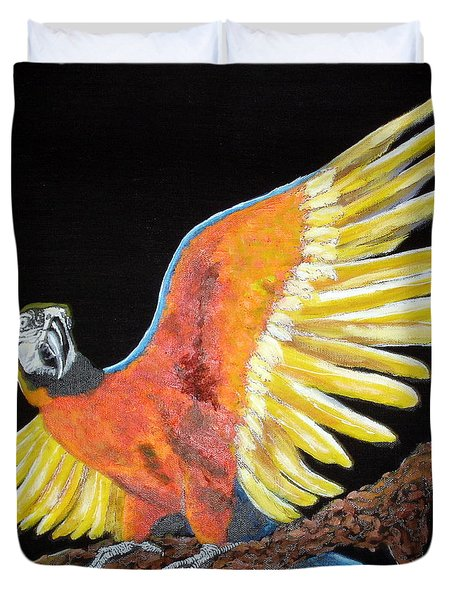 Macaw - Wingin' It Duvet Cover by Susan Kubes