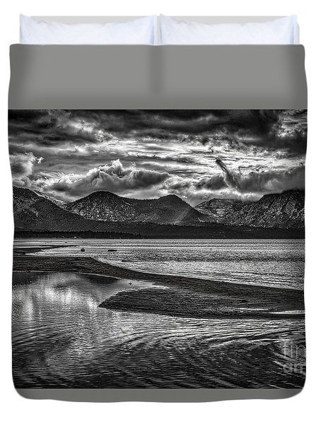 Duvet Cover featuring the photograph Maggie's Peaks Black And White by Mitch Shindelbower