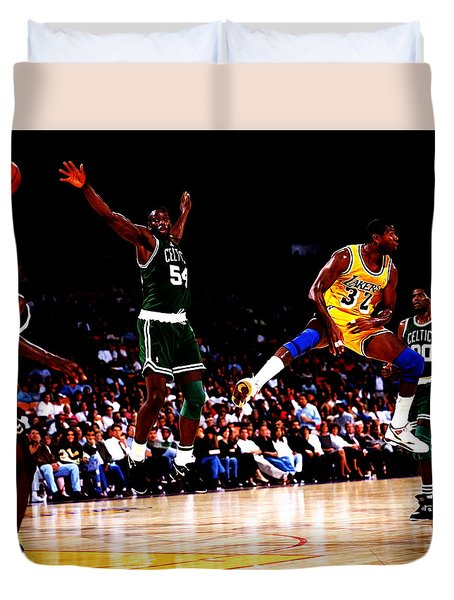 Magic Johnson No Look Pass 7a Duvet Cover by Brian Reaves
