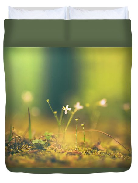 Duvet Cover featuring the photograph Magical Moment by Shane Holsclaw