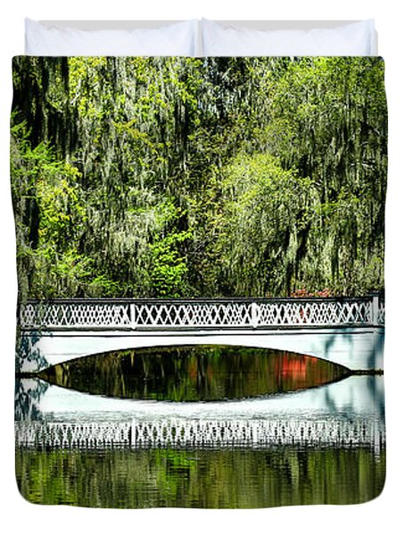 Magnolia Plantation Bridge - Charleston Sc Duvet Cover