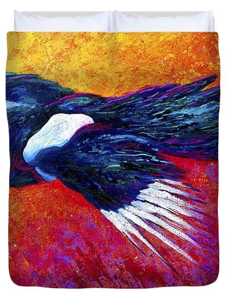 Magpie In Flight Duvet Cover