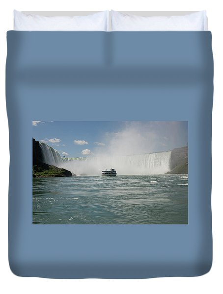 Duvet Cover featuring the photograph Maid Of The Mist At Horseshoe Falls by Jeff Folger