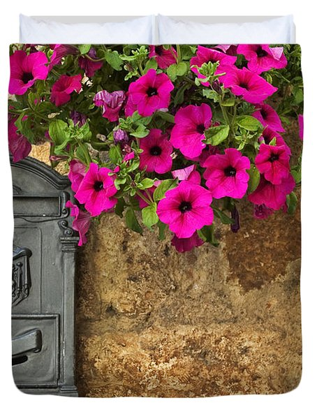 Mailbox With Petunias Duvet Cover