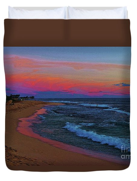 Ma'ili Beach At Sunset Duvet Cover