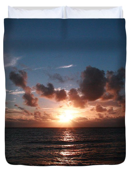 Ma'ili Sunset Duvet Cover