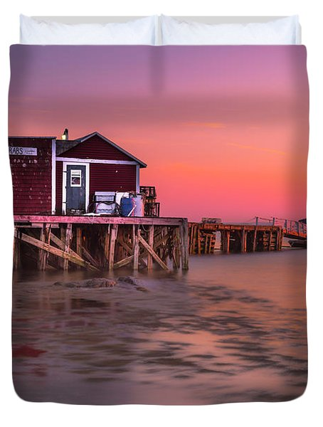 Maine Coastal Sunset At Dicks Lobsters - Crabs Shack Duvet Cover