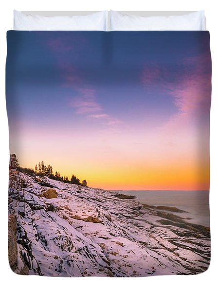 Maine Pemaquid Lighthouse In Winter Snow Duvet Cover