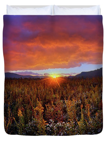 Majestic Sunset Over Cades Cove In Smoky Mountains National Park Duvet Cover