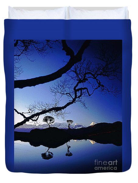 Makalu Nepal At Sunset Duvet Cover by Rudi Prott