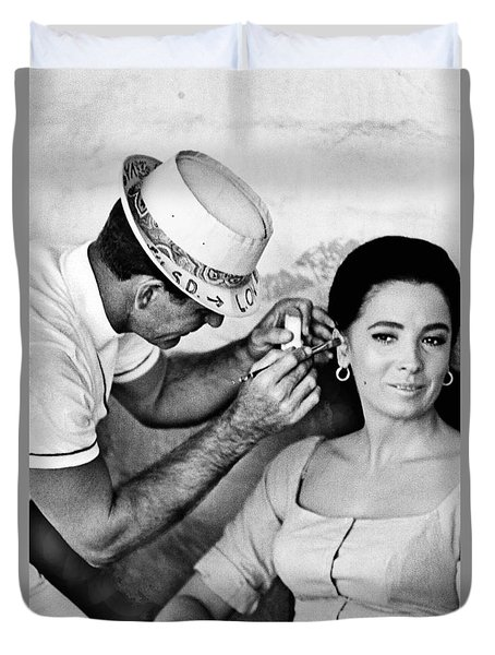 Make Up Man Linda Cristal The High Chaparral Old Tucson 1967 Duvet Cover