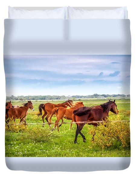 Duvet Cover featuring the photograph Making A Diner Run by Melinda Ledsome